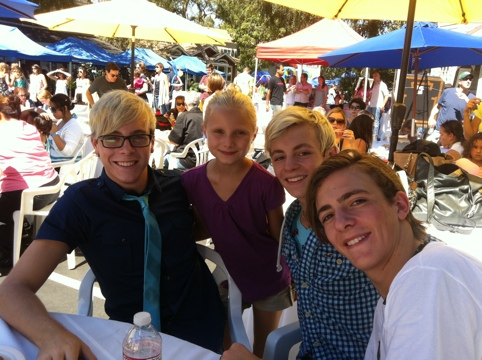 Free concert and meet and greet with official r5 featuring ross 20120826 155159g m4hsunfo