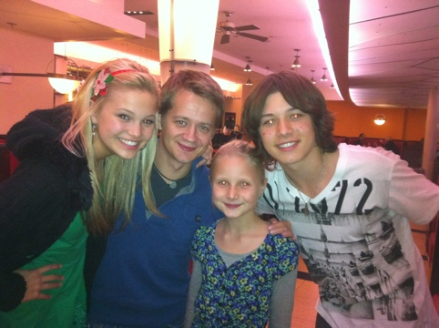 G hannelius and leo howard dating who