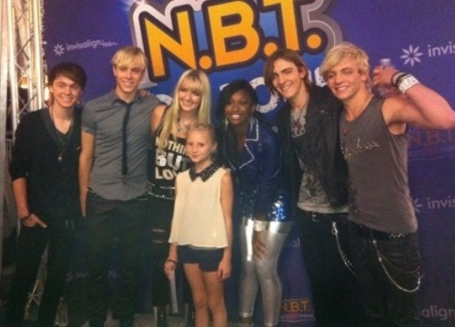 R5 will be meeting fans at planet hollywood in new york september 2 20130830 155206g m4hsunfo