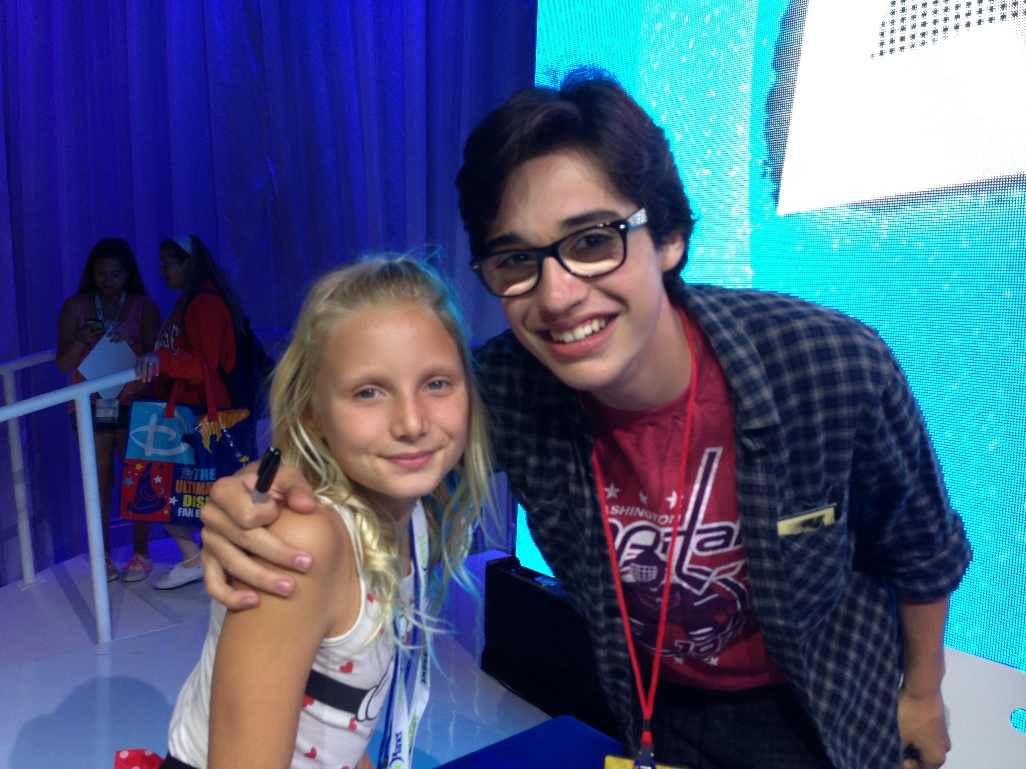 The Liv And Maddie Cast Meet And Greet At D23 Expo Reach For The Stars