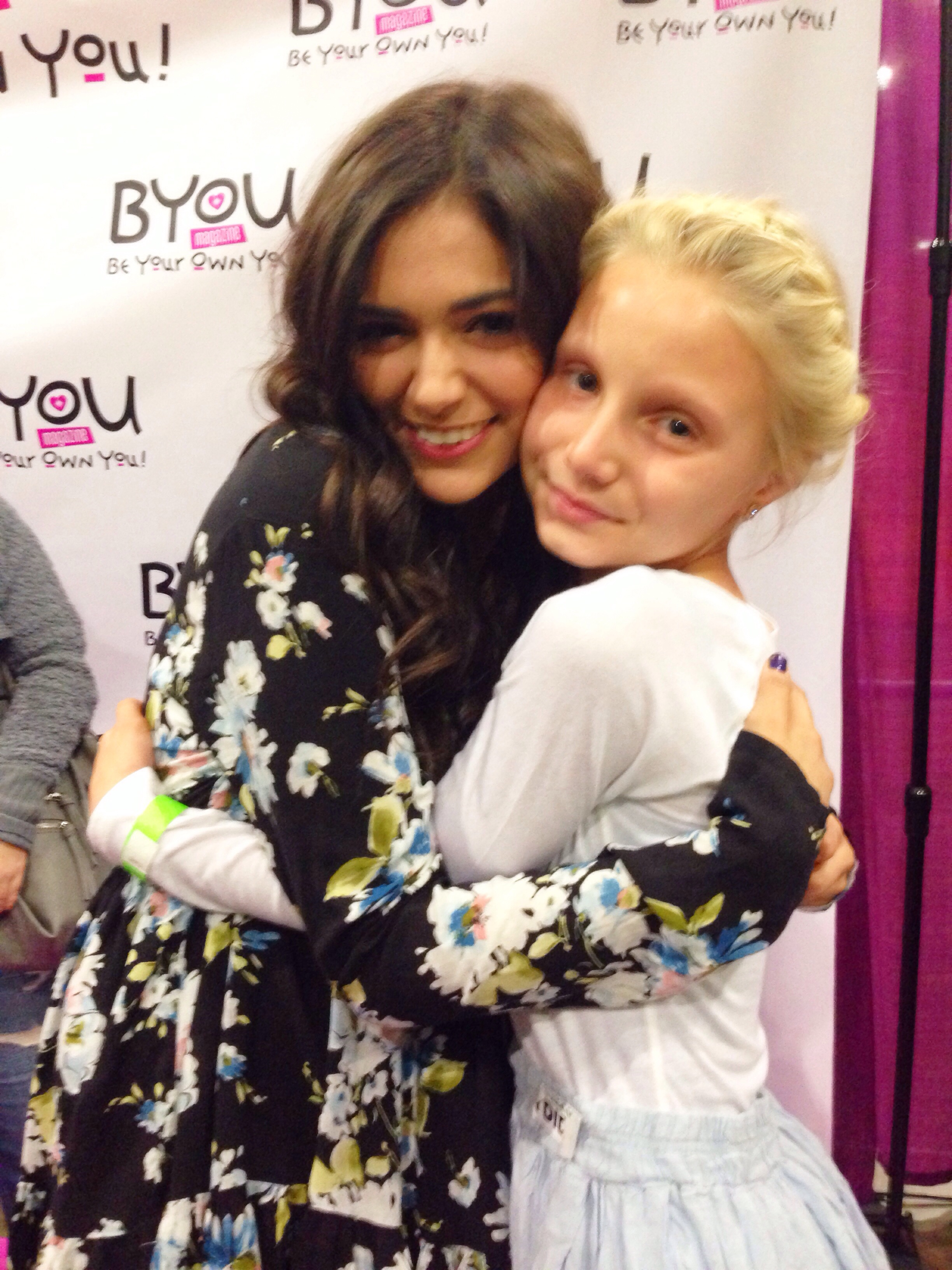 Bethany mota will celebrate the launch of her clothing line at mall 20131205 223937g bethany mota fans have been m4hsunfo